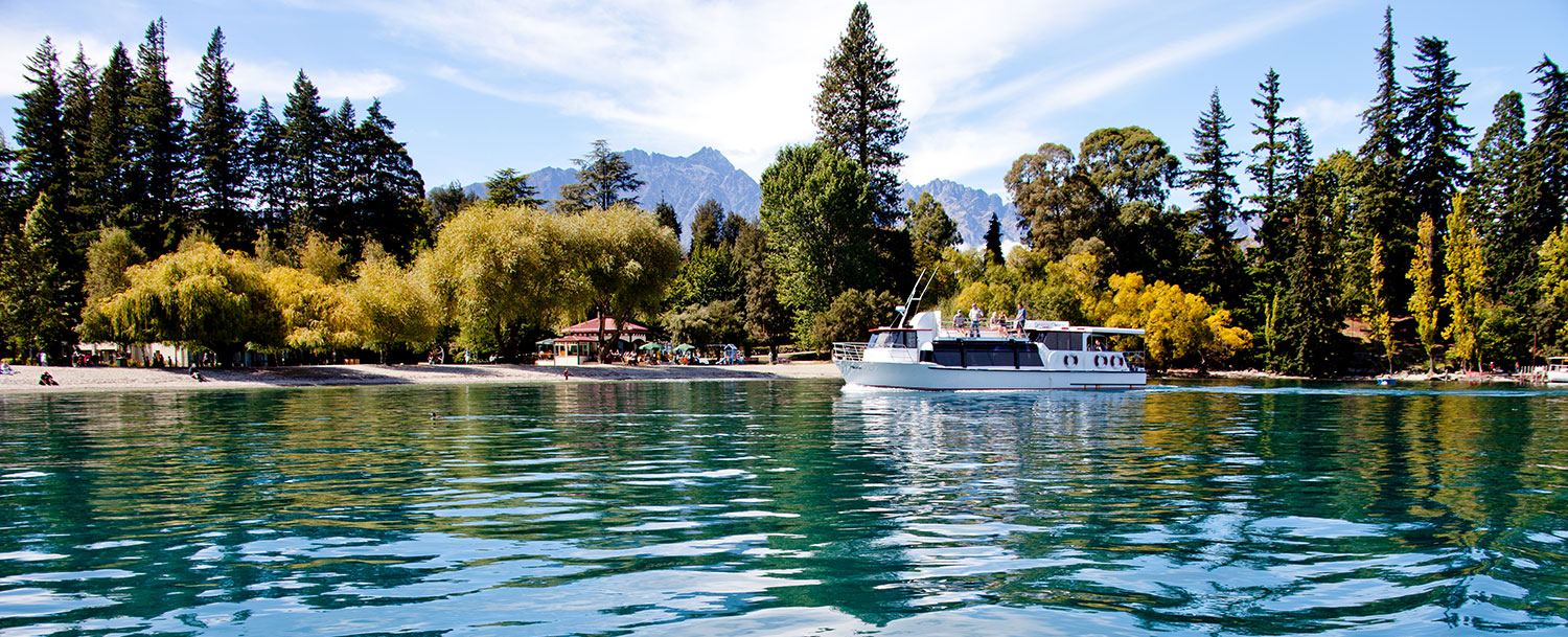 Cruise in Queenstown Bay with Million Dollar Cruise